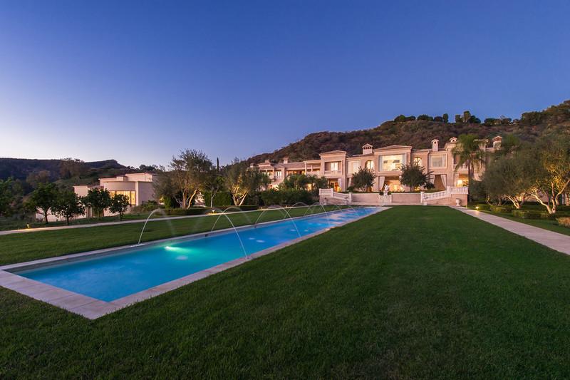 Palazzo di Amore swimming pool