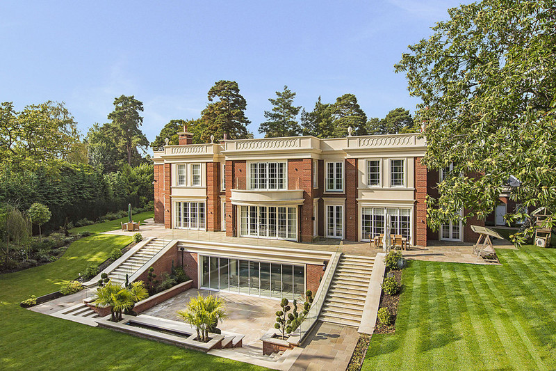 luxury Mansion Surrey England