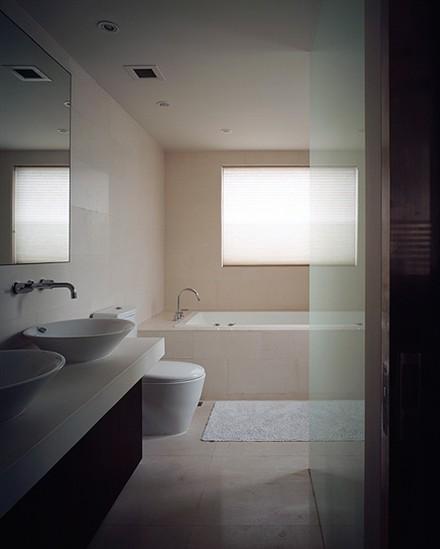 townhouse Shanghai bathroom