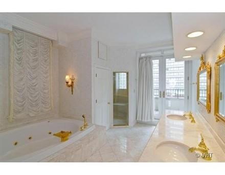 Oprah Winfrey Chicago bathroom