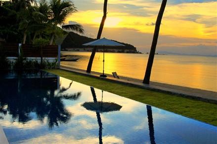 Baan Tawan Tok villa pool