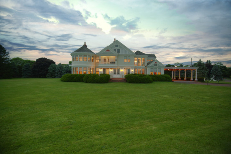 Robert Entenmann Lists Long Island Estate for $25 Million