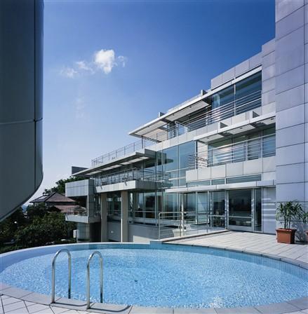 玻璃宅游泳池