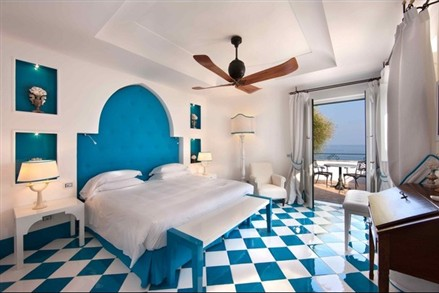 private islands Li Galli bedroom