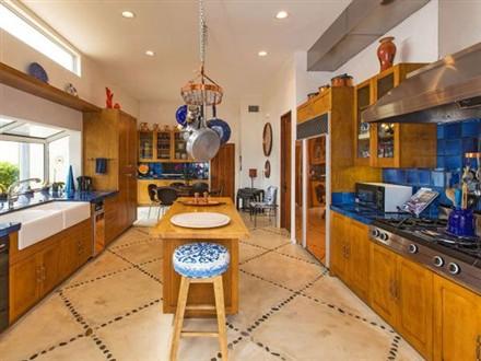 Casa Azzurra kitchen
