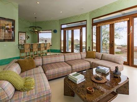 Casa Azzurra living room