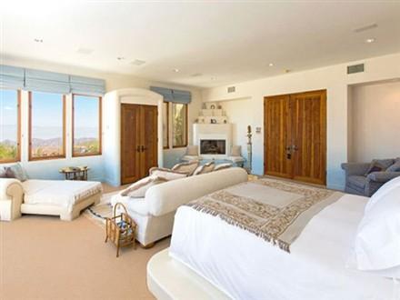 Casa Azzurra master bedroom