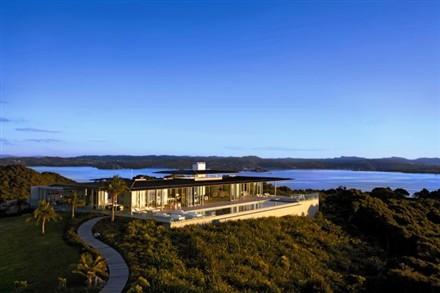Rahimoana Villa by Crosson Clarke Carnachan Architects