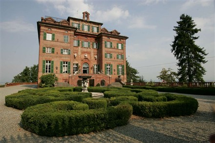 Carla Bruni Castle