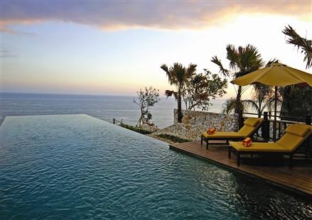 别墅度假村泳池