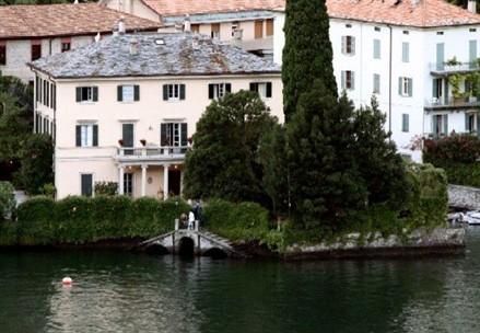 lake como house