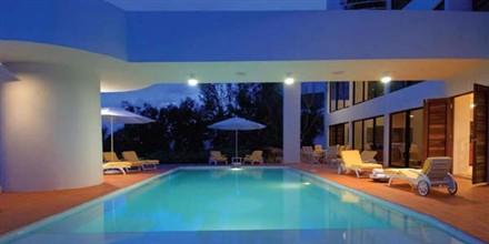 Caribbean villa pool