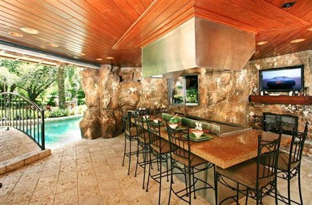 joey fatone home up for auction propgoluxury property news