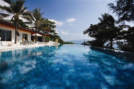 Oceanfront Villa Nai Thon pool