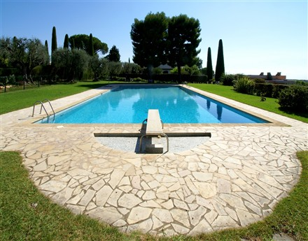 residence secondaire piscine