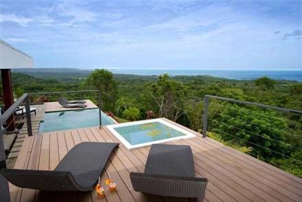 Black Beauty Luna Villa Costa Rica