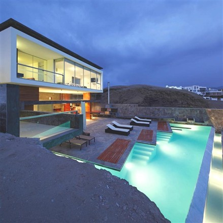 Contemporary CN Beach House pool