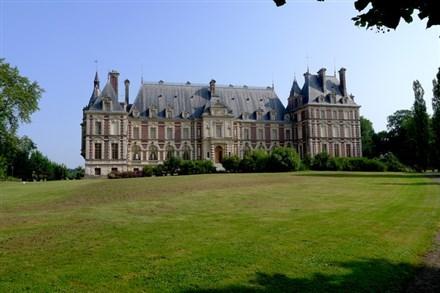50客房的法國古堡叫價1700萬美元
