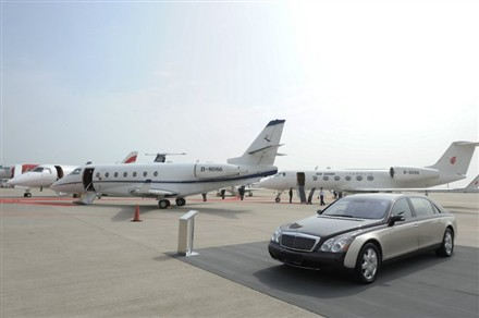 Jet with Maybach